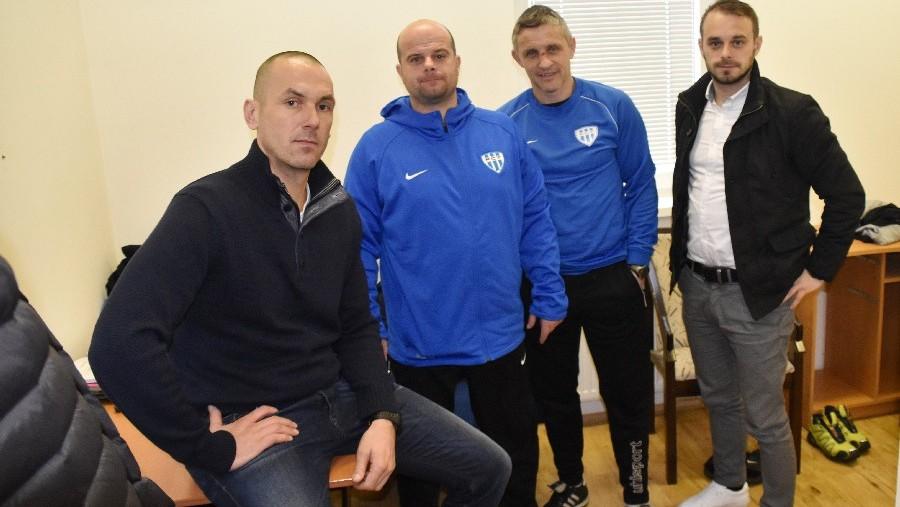 Ředitel klubu Petr Samec a členové realizačního týmu - zleva Petr Pižanowski, Roman Nádvorník a Radim Kokeš.