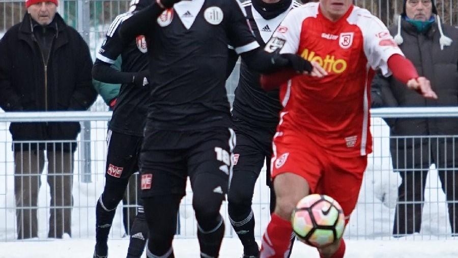 Dynamo začalo přípravu porážkou. V Regensburgu dostalo čtyři góly