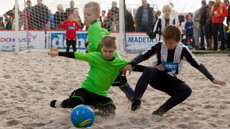 Hlavní cena E.ON Beach Junior Cupu bude pobyt v Nizozemsku. Finále zpestří účast týmů Zwolle