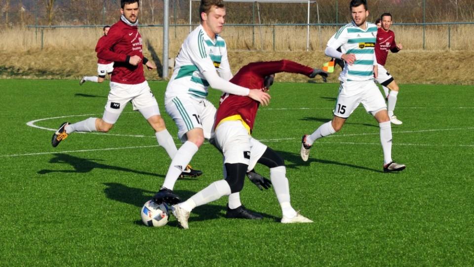 Roudné obdrželo ve druhé půli od rakouského Schweiggersu tři góly. Foto: Ján Honza