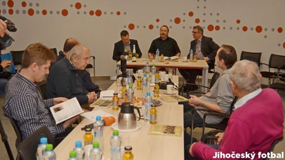 Uvedení knihy se konalo v tiskovém středisku společnosti E.ON.