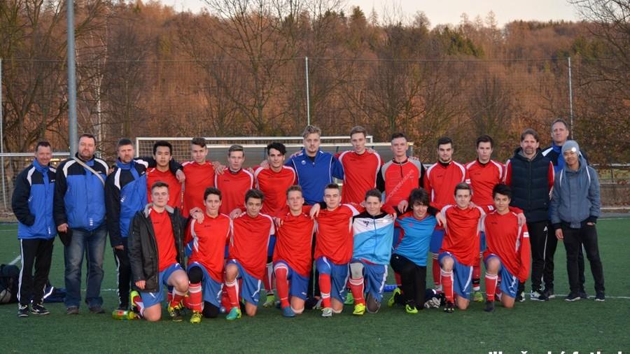 Dorostenci SKP skončili na druhém místě. Jihočeský fotbal je zvěčnil na památku.