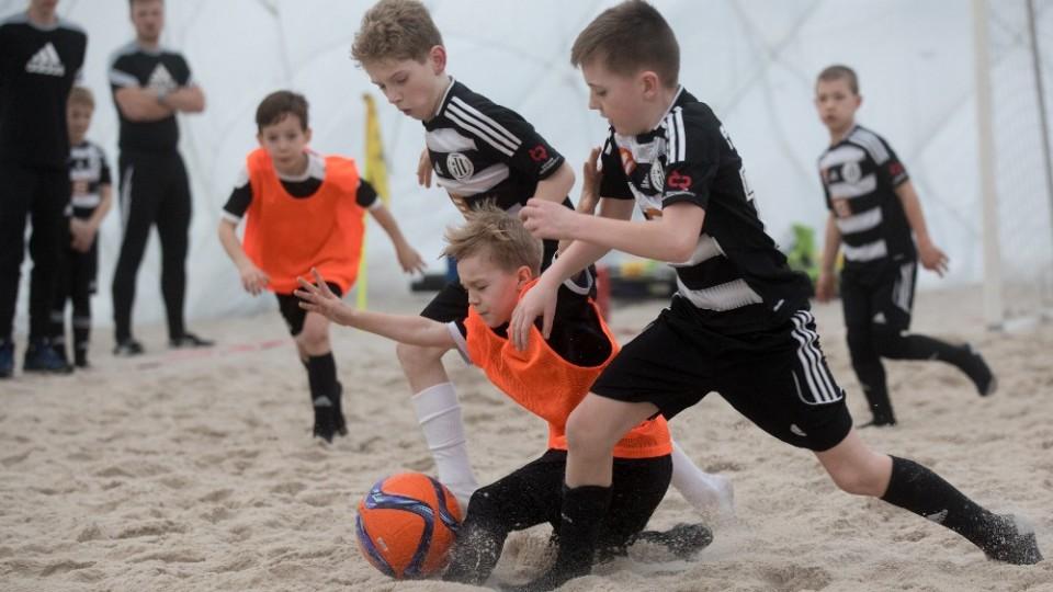 SK Dynamo Č. Budějovice vyhrál E.ON Beach Junior Cup. Jako hlavní cenu získal letní pobyt v Nizozemsku
