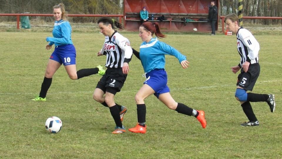 Kaplice porazila rivalky z Hradce o čtyři góly