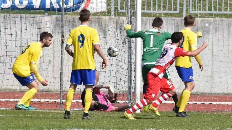 Vyrovnáno! V nastavení stihly Štěchovice vyrovnat a vynutit si penalty.
