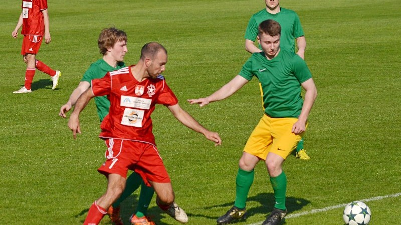 I. třídy: Lídr Sedlec odrazil atak Volyně, poslední Chlum obdržel po přestávce sedm gólů!