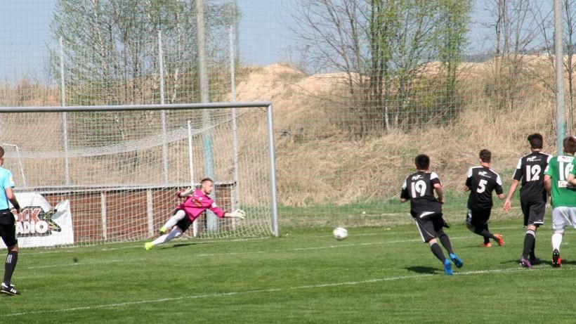 Lukáš Havel proměňuje penaltu a dává svůj čtvrtý jarní gól. Foto: Ladislav Lhota