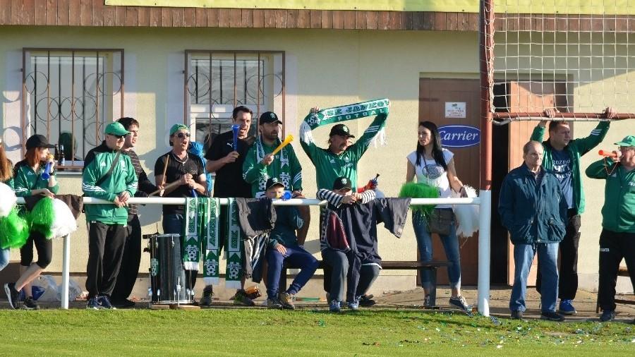 Jankovští fans povzbuzovali po celý zápas.