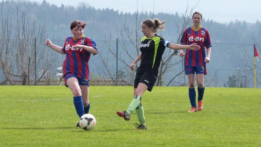 Borovanská děvčata nastřílela Hradišti devět gólů
