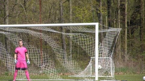 Brankář Vrábek neměl na třetí gól z trestňáku nárok.