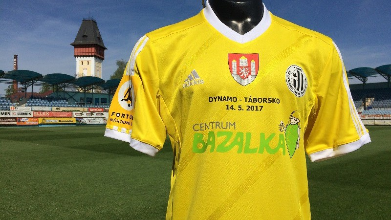Dynamo v derby proti Táborsku v dresech pro Bazalku