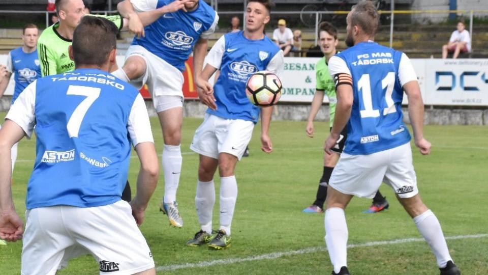 Kam za fotbalem: Rozlučka s ČFL na Svépomoci, divizní mistr hraje v Čížové naposledy
