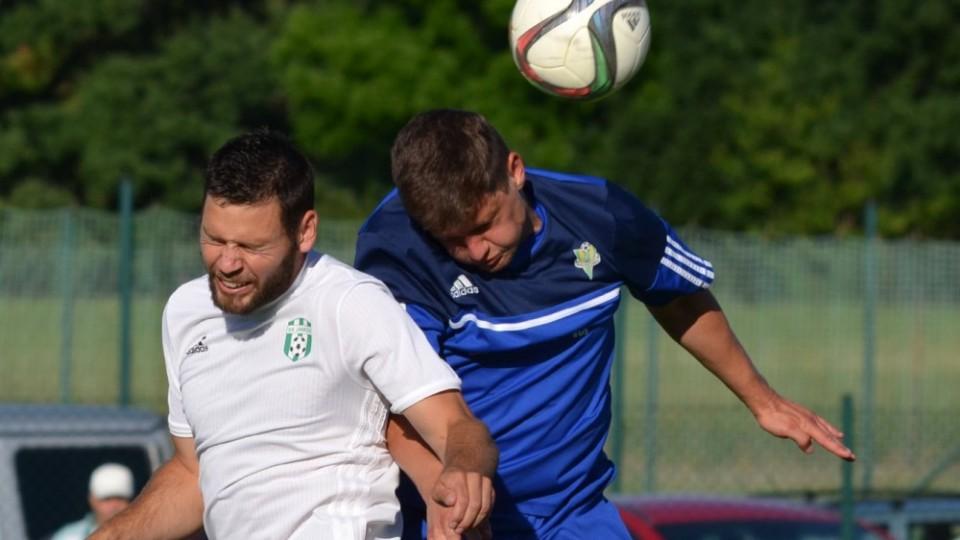 Střídající Roman Mužík tenhle hlavičkový souboj prohrál.