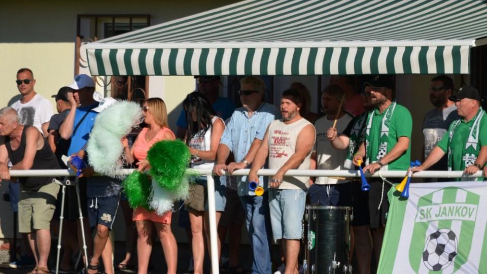 Jankovští fans doraziil i za velkého vedra.