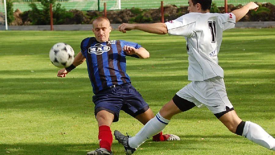 2008 - v zápase krajského přeboru zastavuje na Hluboké maldičkého Dudka.