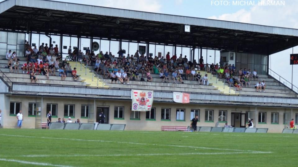 V Kamenici přišlo na souboj Budějovic a Brna pět stovek diváků.