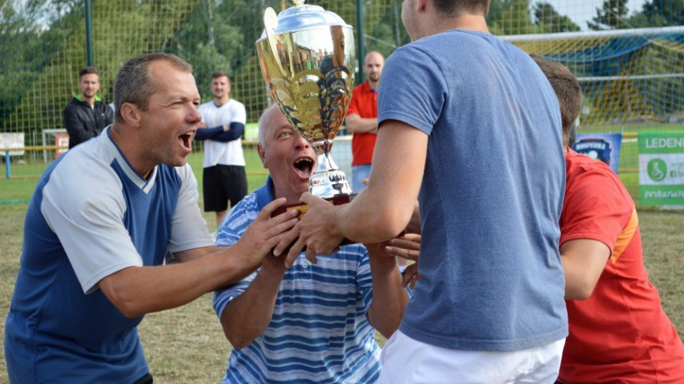 Yauwais Cup vyhrála Rodinná sešlost. Ve finále porazila Sekáče z Radostic v sérii 3:0