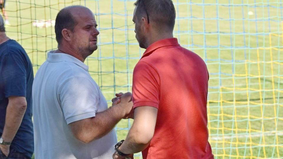 Trenér Roman Nádvorník s ředitelem klubu Tomášem Samcem. Premiéra se povedla.