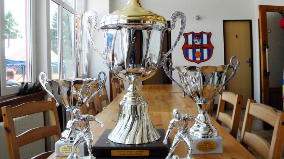 Trofeje turnaje v Plané.