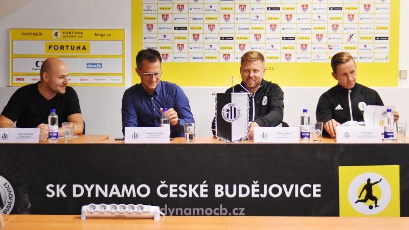 Zástupci SK Dynamo ČB na úterní tiskovce.