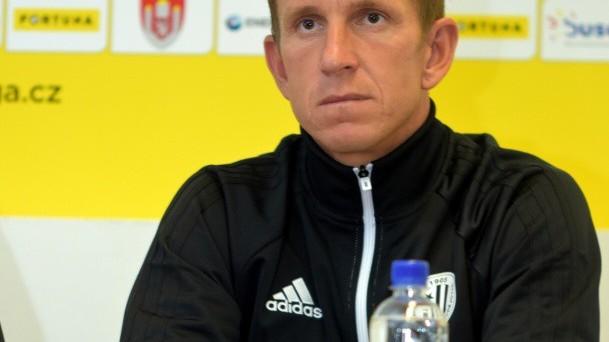 Hráčskou kabinu zastupoval kapitán Petr Benát, pro něhož to má být poslední sezona.