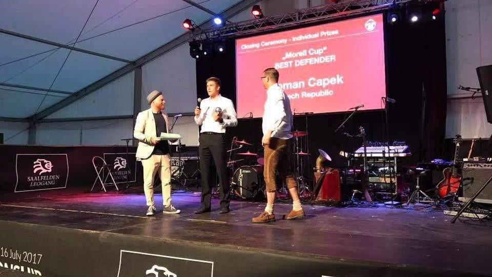 Šampion Roman Čapek byl vyhlášen nejlepším obráncem mistrovství světa doktorů