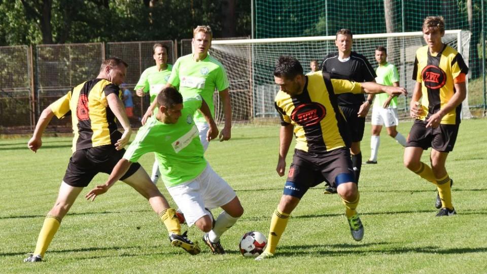 FOTO: V Kovářově padlo mezi Čížovou a Milevskem sedm gólů