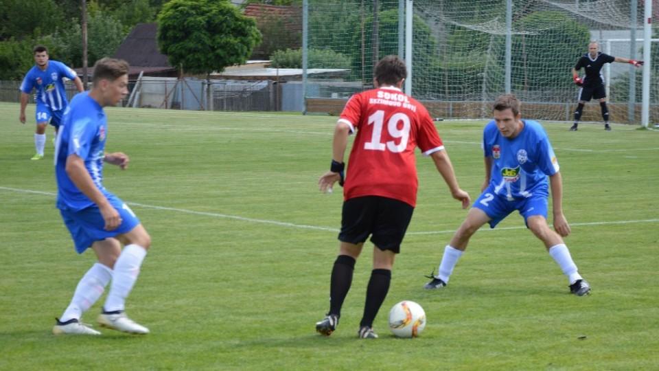 Úvodní zápas mezi pořádajícím Chýnovem a Sokolem S. Ústí gól nepřinesl.