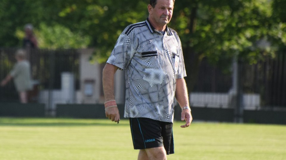 Rozhodčím zápasu byl domácí František Ursacher.