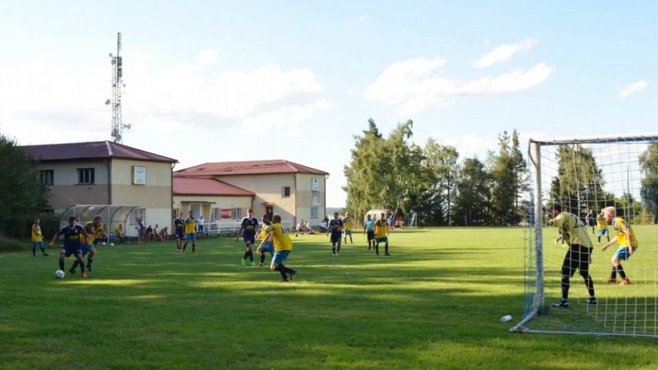 Nová Ves vyhrála turnaj ve Včelné po finálové výhře s domácími