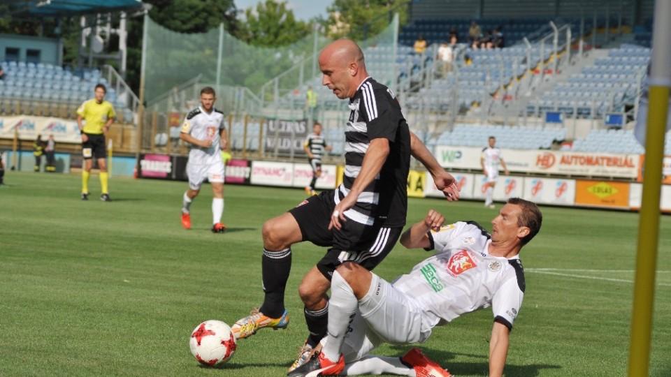 Dynamo přejelo Hradec Králové a vede ligu!