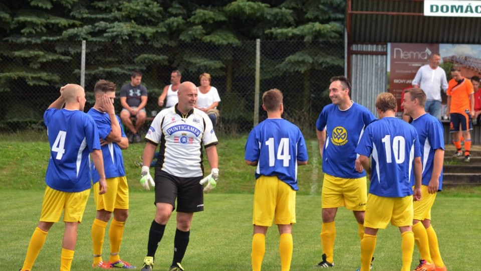 Zlatá Koruna zahájila v Olešnici za tři body. Oporou byl brankář Schwarz