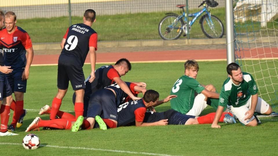 V prvním divizním derby získal body nováček: Soběslav - Č. Krumlov 3:0