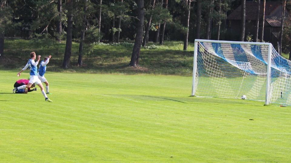 Jan Peterka dává po hodině hry čtvrtý gól domácích - 4:2.