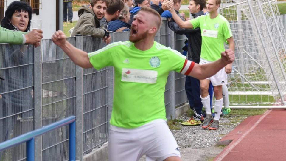 Kapitán Čížové Michal Held derby hodně prožíval. Ze dvou bodů měl velikou radost.