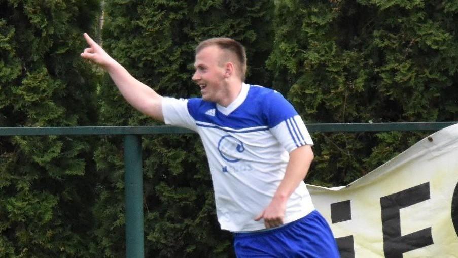 KP: Kanonýr Tauber dovedl čtyřmi góly Hlubokou k výhře nad Osekem