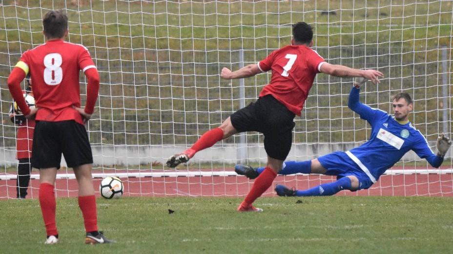 Jindřich Kučera druhou penaltu Chrudimi už proměnil.