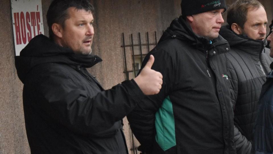 Trenér Chrudimi Pavel Jirousek, jak ukazuje, byl s výkonem svých hráčů spokojený.