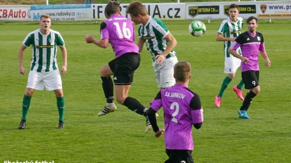 Očekávané divizní derby Českobudějovicka rozhodla penalta. Úrovní ale zklamalo