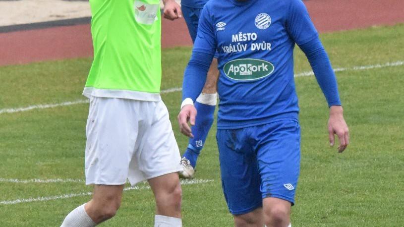 Roman Zahrádka se chytá za hlavu. V zápase byl velkým smolařem.